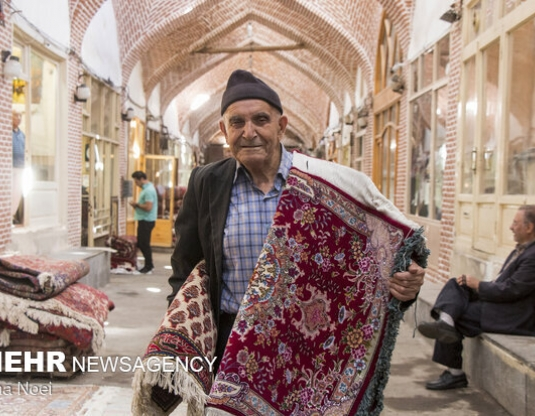 واگذاری سهم بازار فرش تبریز به رقبای خارجی